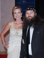the a e hit show duck dynasty will release a holiday cd called duck