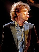 MICK JAGGER IS UP FOR WORKING WITH DAVE GROHL AGAIN