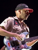 TOM MORELLO LOOKS BACK ON BEING AN E STREET BAND SUB