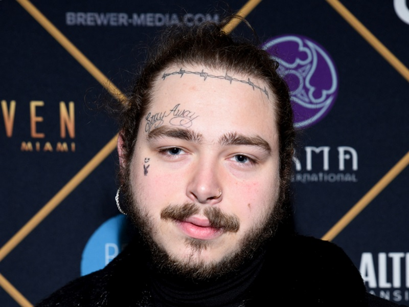 Post Malone Sends Mark Wahlberg S Wahlburgers To Spenser Confidential Premiere 1 For All The Hits 95 9 Kiss Fm